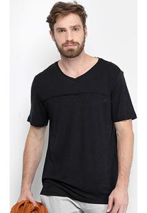 Camiseta Forum Gola V Malha Leve Recorte Masculina - Masculino-Preto