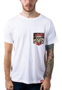 Camiseta Bolso Aplique Caveiras - Masculino