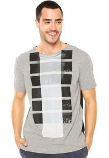 Camiseta Calvin Klein Jeans Estampada Cinza/Preta