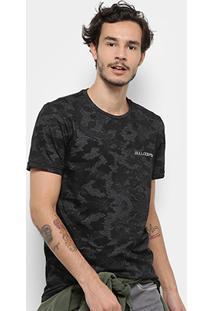 Camiseta Bulldog Fish Camuflada Masculina - Masculino-Preto