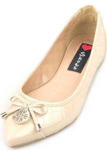 Sapatilha Love Shoes Bico Fino Laçinho Matelasse Verniz Bege