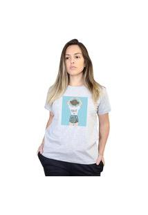 Camiseta Boutique Judith Love Is Every Where Cinza