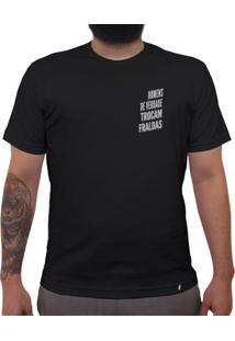 Homens De Verdade Trocam Fraldas - Camiseta Clássica Masculina
