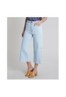 Calça Jeans Feminina Pantacourt Cintura Alta Com Botões Barra Desfiada Azul Claro