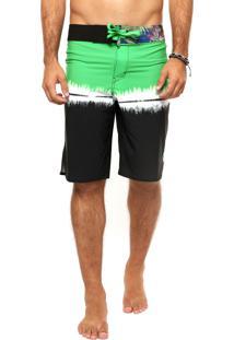 Bermuda Água Nicoboco Tie Dye Verde/Branca/Preta
