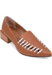 Sapato Salto Medio Detalhe Lateral Marrom
