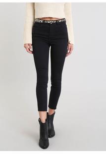 Calça Jeans Feminina Cropped Com Barra Desfiada E Cinto Animal Print Preta