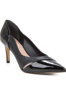 Scarpin Couro Shoestock Vazado Verniz Salto Médio - Feminino-Preto