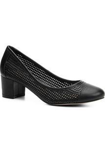Scarpin Shoestock Salto Baixo Furinhos - Feminino-Preto