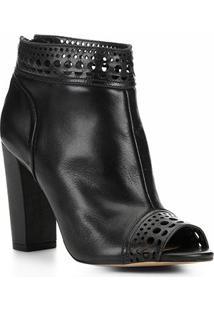 Ankle Boot Couro Shoestock Laser Feminina - Feminino-Preto