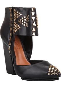 Sapato Tradicional Com Rebites- Preto & Douradoschutz