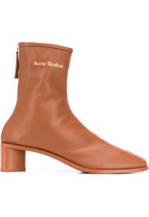 Acne Studios Ankle Boot De Couro Com Logo - Marrom