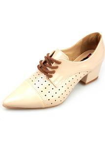 ae3d7e6299 Kanui. Oxford Love Shoes Salto Baixo Bico Fino Vazado Verniz Bege