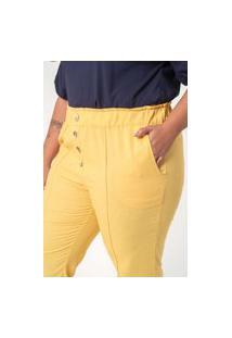 Calça Lisa Almaria Plus Size Munny Detalhe Nervuras Amarelo