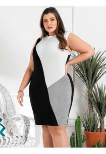 Vestido Plus Size Preto Com Recortes