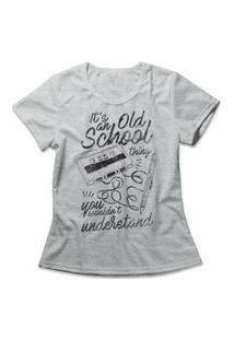 Camiseta Feminina Old School Thing Cinza