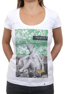 Soon Im Gonna Wake Up - Camiseta Clássica Feminina