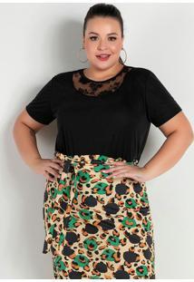 Blusa Preta Com Recorte Em Renda Plus Size