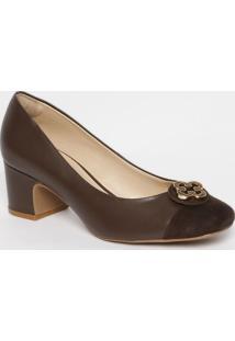 Sapato Tradicional Em Couro Com Recortes & Aviamento- Macapodarte