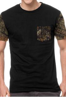Camiseta Chess Clothing Pocket Hunter Preto