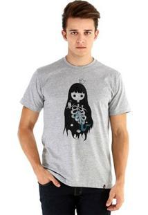 Camiseta Ouroboros Manga Curta Medos Amigos - Masculino-Cinza