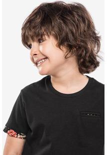 Camiseta Niños Preta Detalhe Floral 500030