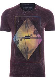 Camiseta Masculina Estampa Triangulo Colorido - Vermelho
