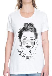 Dramática Ela - Camiseta Basicona Unissex