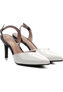 Scarpin Via Uno Salto Médio Chanel Verniz - Feminino-Branco+Preto