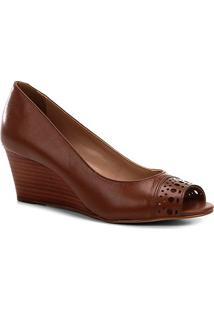 Peep Toe Anabela Shoestock Couro Laser - Feminino-Caramelo