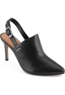 Sapato Com Traseiro Aberto Detalhe Em Fivela Preto