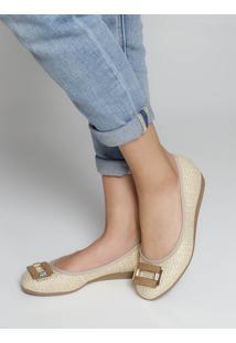Sapato Anabela Moleca Trama