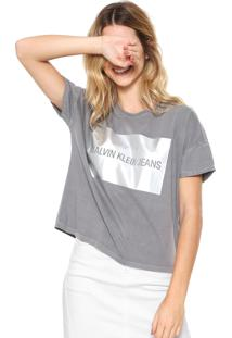 Camiseta Calvin Klein Jeans Logo Metalizado Cinza