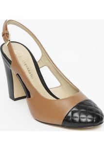 Sapato Chanel Em Couro Com Bico Em Matelassê - Marrom & Capodarte