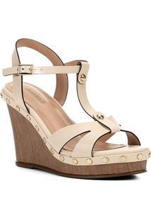 Sandália Anabela Shoestock Couro Tachas Feminina - Feminino-Bege