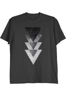 Camiseta Cnx Clothing Triângulos Preta
