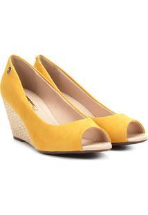 Peep Toe Anabela Moleca Feminino - Feminino-Amarelo
