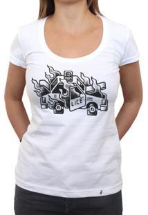 Carro Em Flamas - Camiseta Clássica Feminina