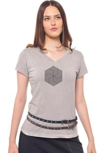 Camiseta Feminina Joss Estampada Flor Geométrica Cinza