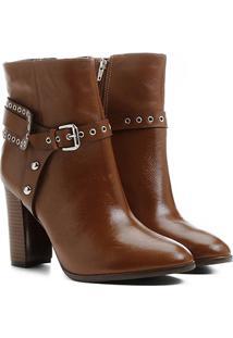 Bota Couro Shoestock Cano Curto Salto Alto Detalhe Selaria Feminina - Feminino-Caramelo