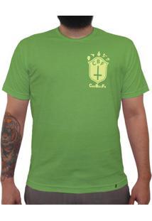 Cbf (Brasão Amarelo) - Camiseta Clássica Premium Masculina