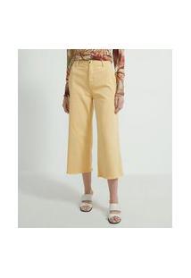 Calça Pantacourt Em Sarja Com Barra Desfiada | Marfinno | Amarelo | 40