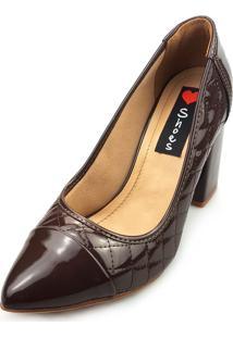 Scarpin Love Shoes Alto Bico Fino Boneca Grosso Matelasse Verniz Café