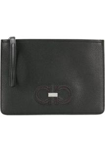 Salvatore Ferragamo Clutch Pebbled Com Logo - Preto