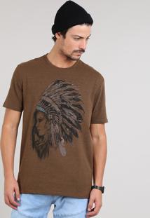 Camiseta Masculina India Com Cocar Manga Curta Gola Careca Marrom Escuro