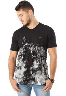 Camiseta Royal Brand Pixel Fowers Preto