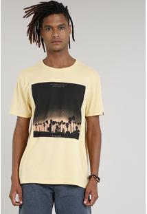 Camiseta Masculina Com Estampa De Coqueiros Manga Curta Gola Careca Amarela
