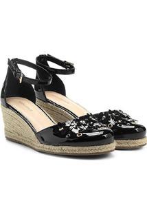 Sandália Shoestock Plataforma Flores Feminina - Feminino-Preto