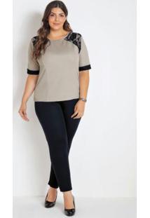Conjunto Blusa Bege E Calça Preta Plus Size