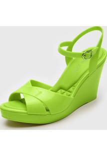 Sandã¡Lia Petite Jolie Transpasse Verde - Verde - Feminino - Pvc - Dafiti
